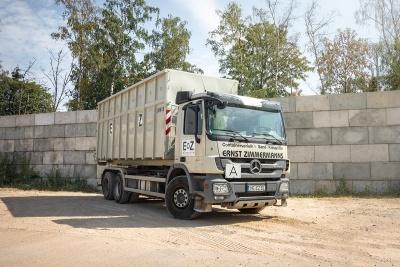 Fuhrpark Containerfahrzeug