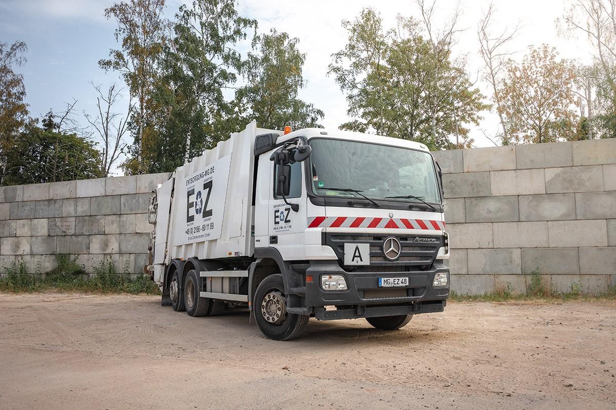Müllfahrzeug / Müllpresse